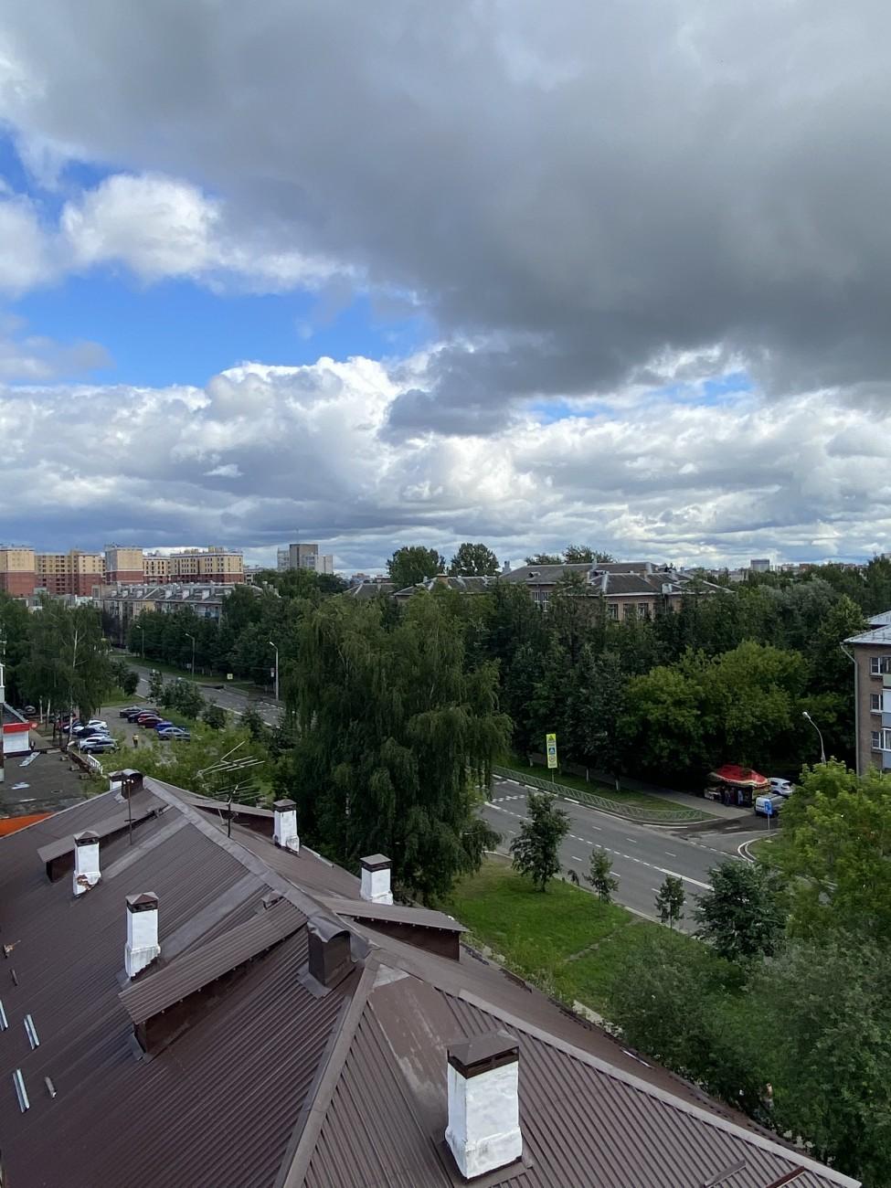Вид с 7 этажа двор/Угличская
