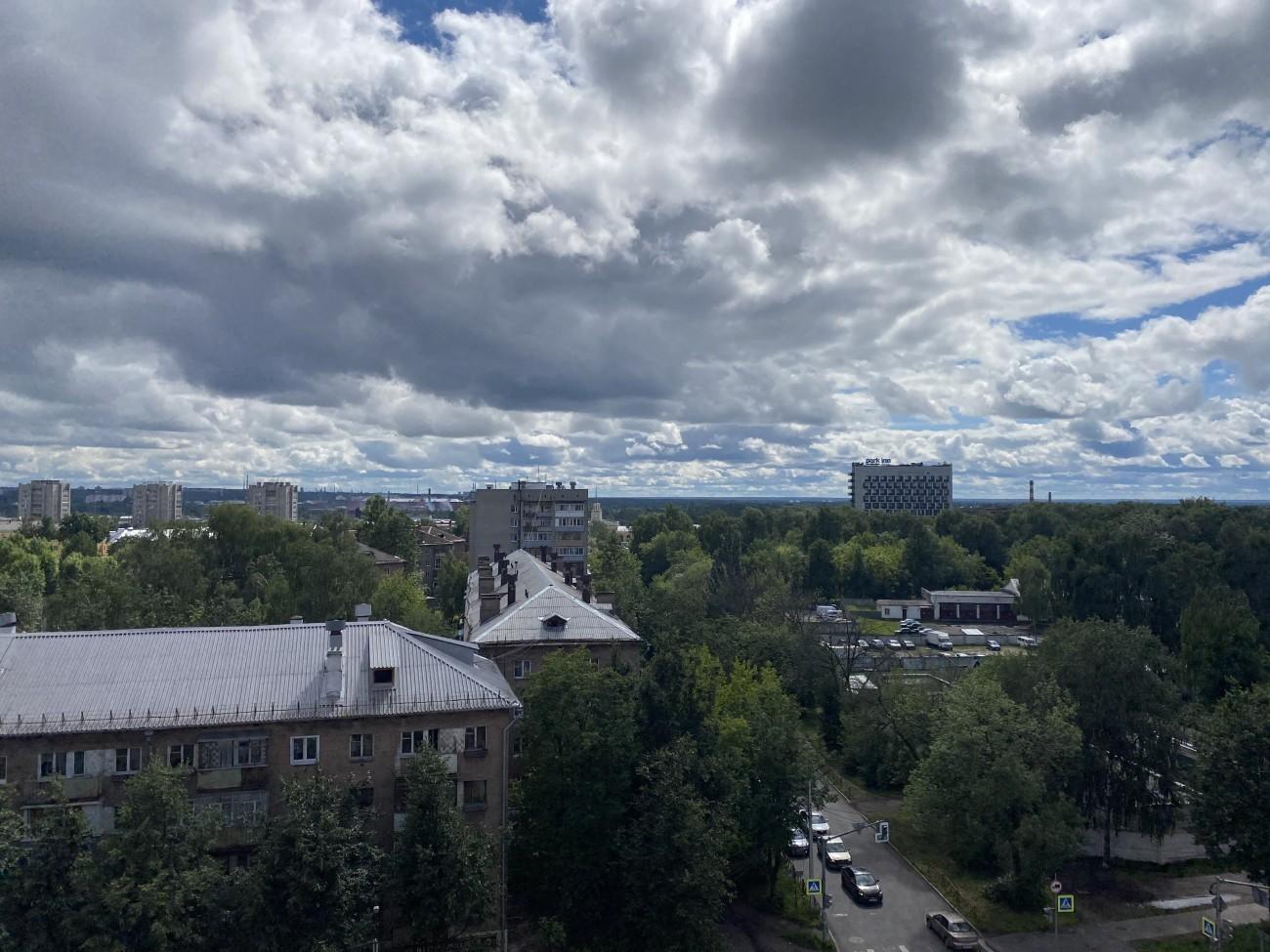 Вид с 9 этажа на Главный
