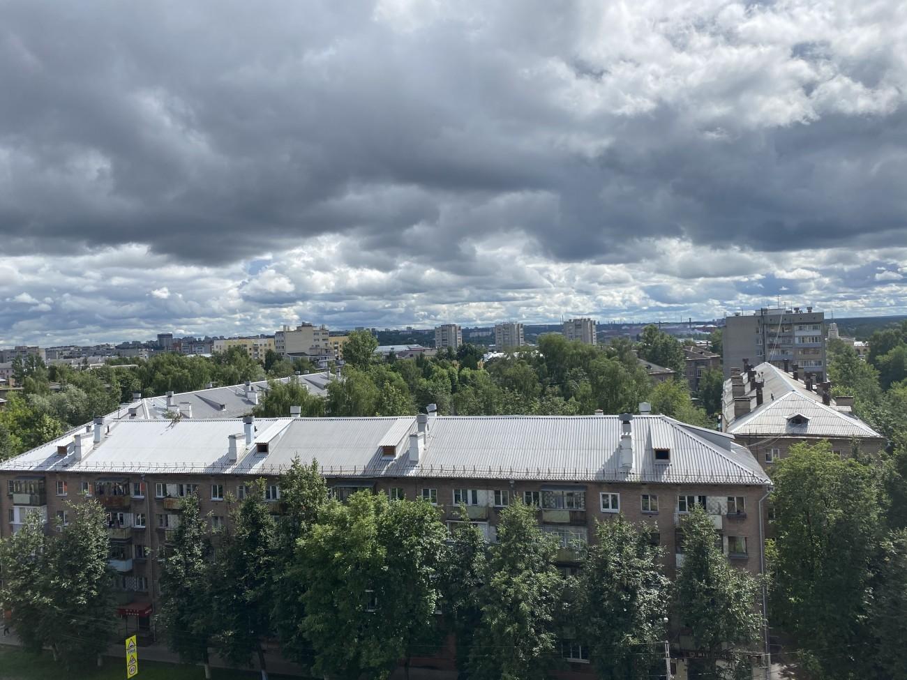Вид с 9 этажа на ул. Угличская