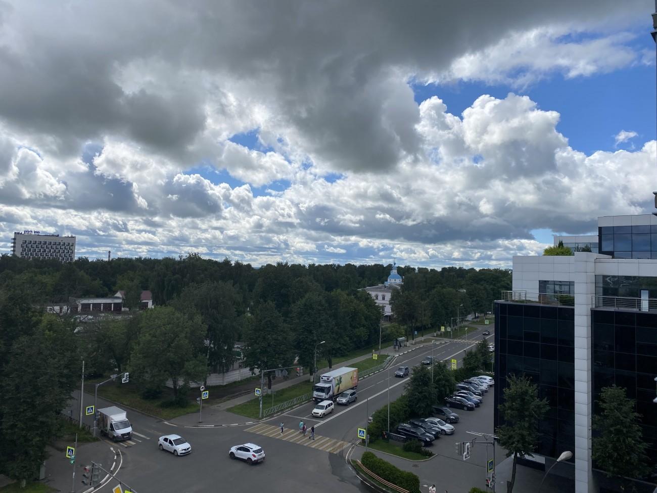 Вид с 7 этажа на перекресток ул. Угличская/ул.Чехова